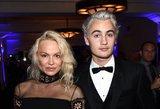 Vakarėlyje pasirodžiusi Pamela Anderson pritrenkė neįprastu įvaizdžiu