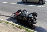 Vilniuje susidūrė automobilis ir motociklas: prireikė skubios medikų pagalbos
