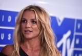 Neišmoko žodžių? Britney Spears šou MTV apdovanojimuose nulydėjo skandalas
