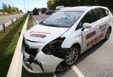 Vilniuje į avariją vėl pakliuvo pavėžėjas: dėl avarijos aplinkkelyje nutįso spūstys