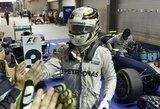 """Laimėjęs """"Formulės 1"""" etapą Singapūre vokietis tapo sezono lyderiu"""