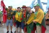 Lietuvos sirgaliai Kinijoje išsiskiria iš minios – vietiniai juos nuolat fotografuoja