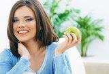 Pasakė, kodėl būtina po kiekvieno valgio suvalgyti obuolį