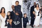 Kim Kardashian – ir vėl pašaipų objektas: gerbėjams užkliuvo jos nykščiai