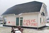 Klaipėdoje Seimo narės dukters namą  vandalai papuošė antirusiškais užrašais