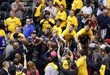 """Čempionai įspūdingai atsitiesė, """"Spurs"""" krito Memfyje"""