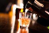 Stringa pataisos dėl prekybos alkoholiu lauko kavinėse
