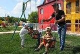Smūgis vaikus iki 3 metų auginusiems ir nedirbusiems tėvams