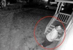 Peržiūrėjusi kamerų įrašus mergina pakraupo: ištisas savaites ją stebėjo nepažįstamas vyras
