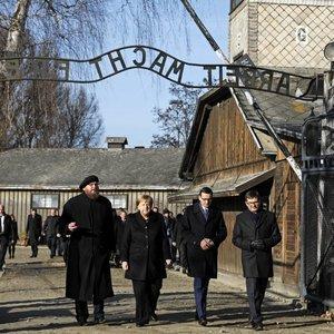 Merkel pirmą kartą apsilankė Aušvico mirties stovykloje