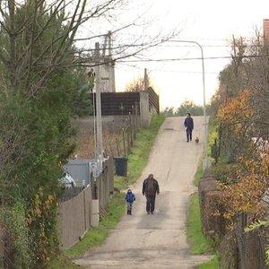 Gyvenantiems sodų bendrijoje metas suskubti: dėl geresnių kelių laukia vienas darbas