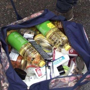 Vargstantys prieš Kalėdas sulaukė ne tik maisto produktų: patenkinti ne visi