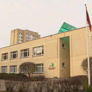 Alytaus bendruomenė šokiruota: valdžia ruošiasi griauti mokyklą ir ją statyti iš naujo