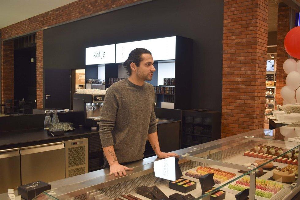 """Pasižvalgykite po tik ką Rygoje atidarytą prekybos ir pramogų centrą """"Akropole"""" Audriaus Bareišio nuotr."""