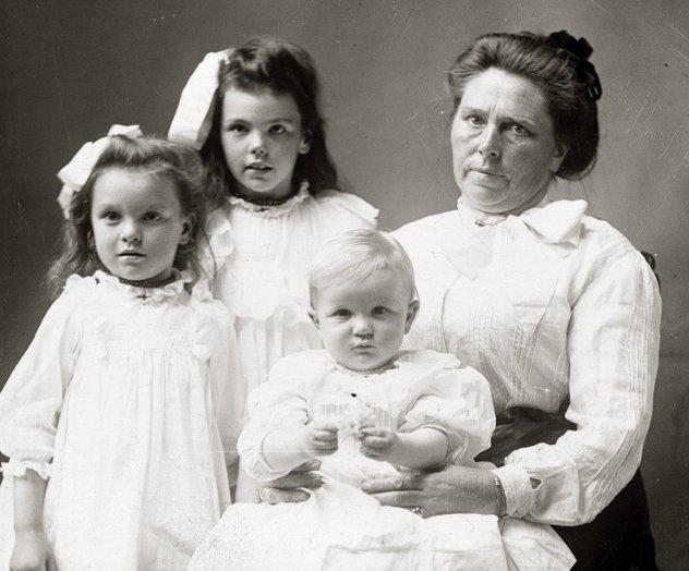 Belle Gunness su vaikais (nuotr. Murderpedia) (nuotr. Gamintojo)