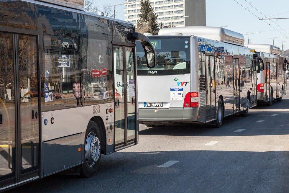 Vilniaus viešasis transportas (nuotr. Sauliaus Žiūros)