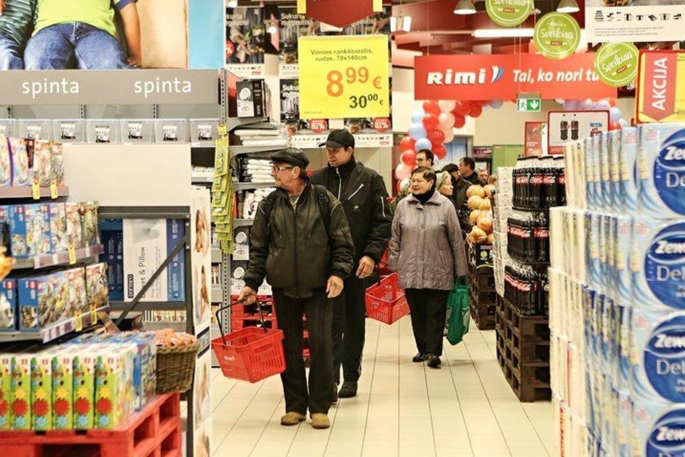 """Atidaromas Linkmenų gatvėje esantis """"Rimi Hypermarket"""" prekybos centras (nuotr. bendrovės)"""