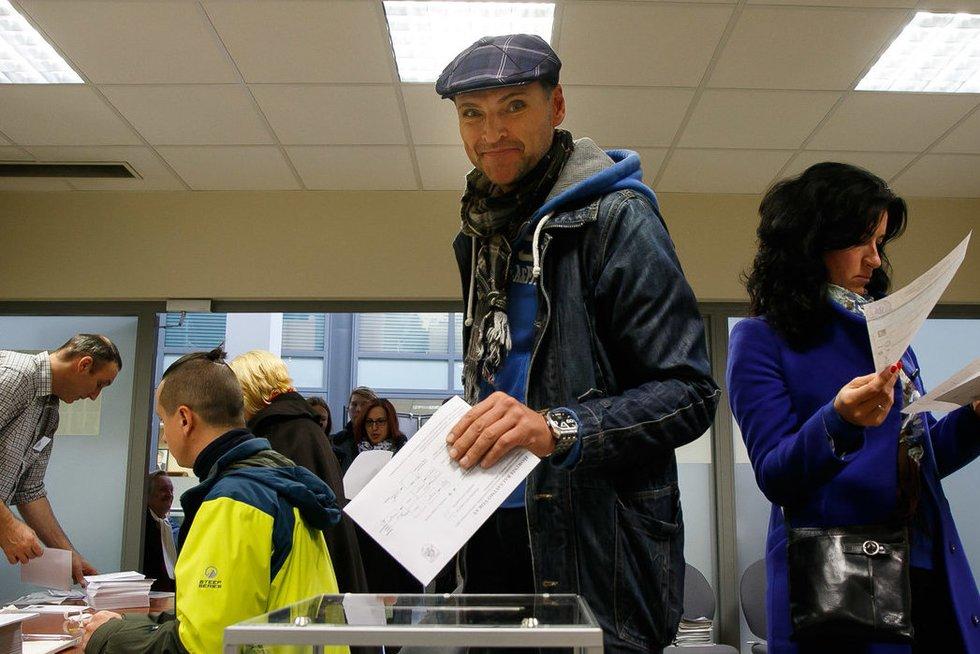 Išankstinis balsavimas Vilniaus miesto savivaldybėje (nuotr. Tv3.lt/Ruslano Kondratjevo)