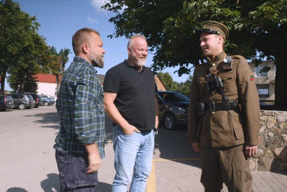 """Martynas Starkus ir Vytaras Radzevičius latvių organizacijos """"Dzivnieku briviba"""" (""""Laisvė gyvūnams"""") archyvas"""