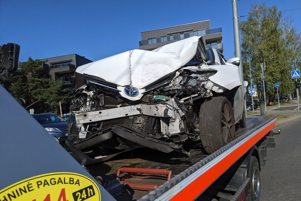 Girtas pavėžėjas sukėlė avariją (nuotr. Broniaus Jablonsko)