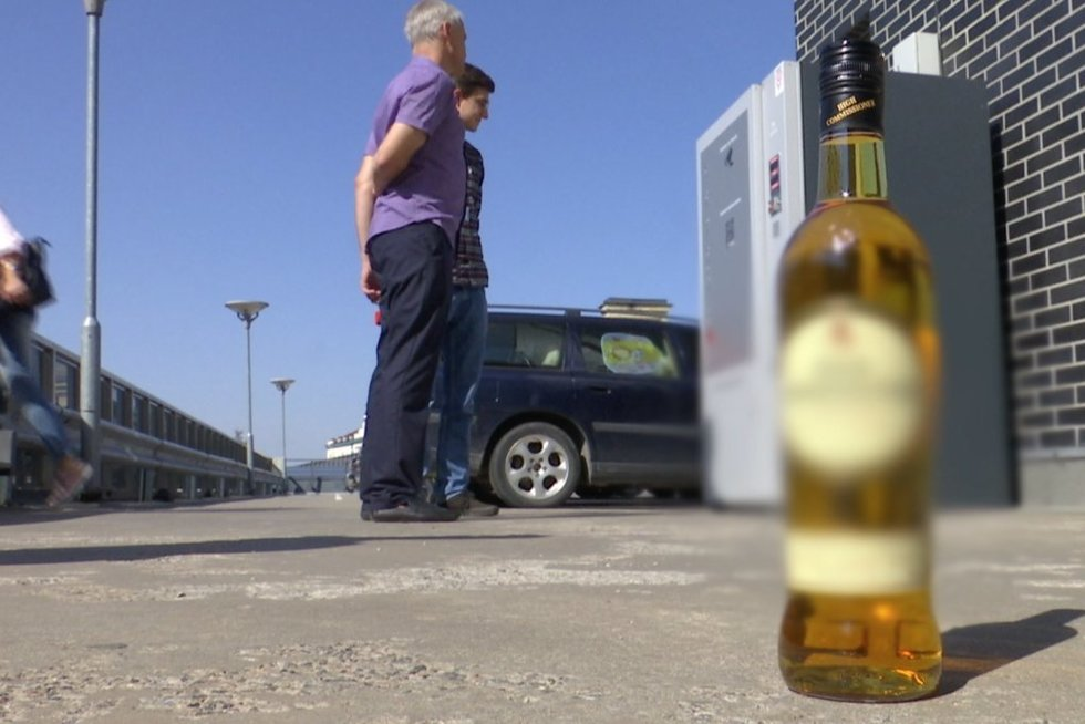 Alkoholio aparatas Vilniuje (nuotr. stop kadras)