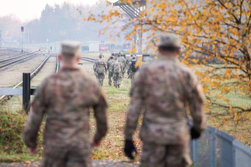 Į Lietuvą atvyko JAV bataliono sunkioji technika (nuotr. Fotodiena/Justino Auškelio)