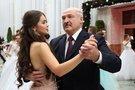 Lukašenkos favoritė tapo parlamentare: jai 22-eji, jam 65-eri, jie dažnai matomi kartu (nuotr. SCANPIX)