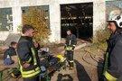 Alytuje gaisrą gesinančių gaisrininkų kasdienybė (nuotr. Raimundo Maslausko)