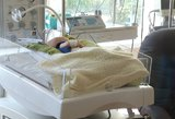 Klaipėdietė išgelbėjo pamestinuką: vaiką šildė savo kūnu laukdama greitosios