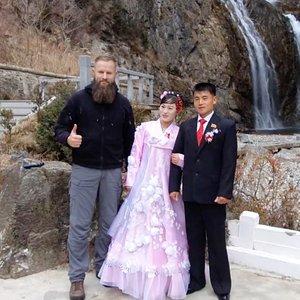 Lietuvis grįžo iš Šiaurės Korėjos: už lietuvišką degtinę jie prašo 190 eurų