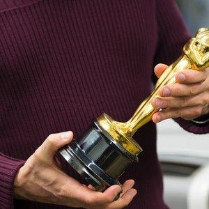 """Kortos atverstos: paaiškėjo visi """"Oskarų"""" apdovanojimų nominantai"""