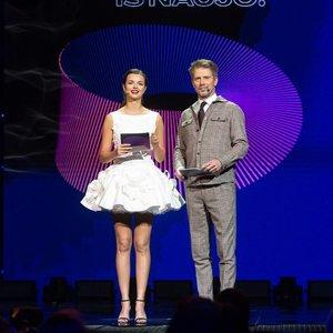 """""""Eurovizijos"""" atrankos filmavime – įspūdinga Martirosian suknelė: ši spalva parinkta ne šiaip"""