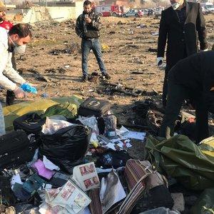 """Numušto Ukrainos lėktuvo """"juodosios dėžės"""" lieka Irane: atiduos tik su viena sąlyga"""