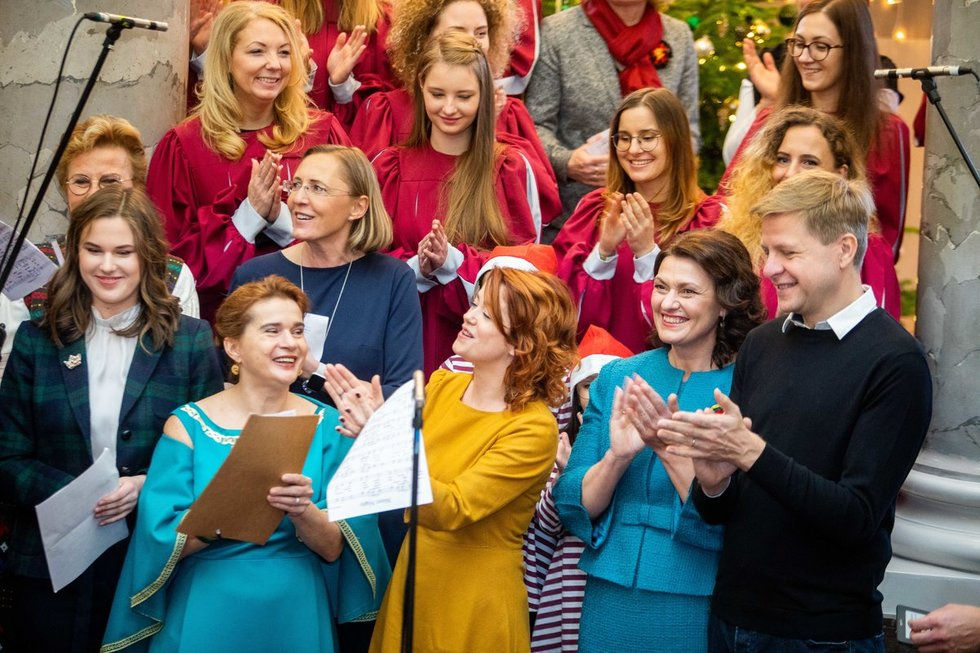 Tarptautinės Kalėdų labdaros mugės atidarymo ceremonijos akimirkos