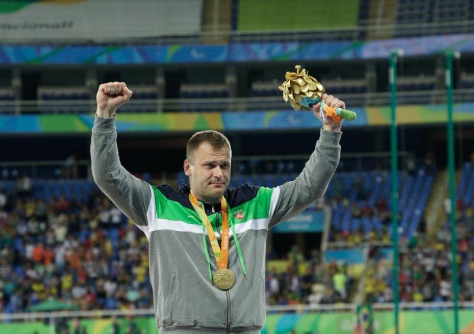 Mindaugas Bilius Rio parolimpiadoje laimėjo aukso medalį (Rimanto Navicko nuotr.)