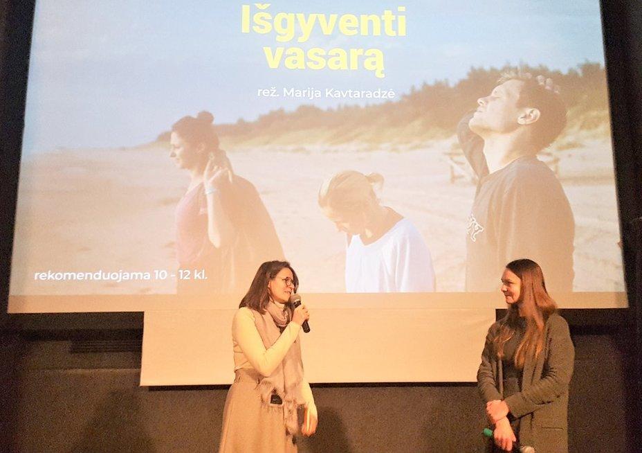 Medijų ir kino edukatorė Gintė Žulytė (kairėje) ir režisierę M. Kavtaradzę konsultavusi psichologė Vaiva Klimaitė. L. Jakubauskienės nuotr.