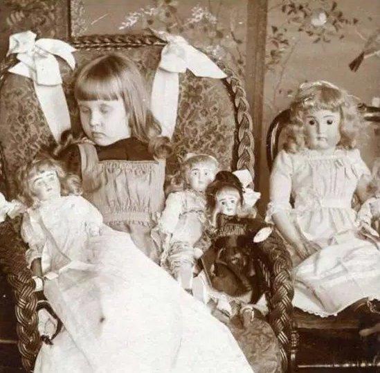 XIX a. mirusių vaikų nuotraukos