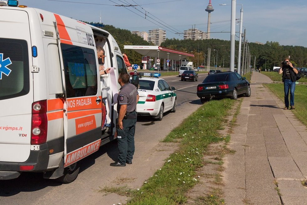 Avarija Laisvės prospekte Vilniuje (nuotr. Broniaus Jablonsko)