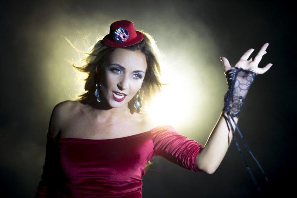 """TV Pagalbos žvaigždė Gerda Stiklickienė pristato dainos """"Aš jau toli"""" muzikinį vaizdo klipą (""""WhiteStar Photography"""" nuotr.) (nuotr. asm. archyvo)"""