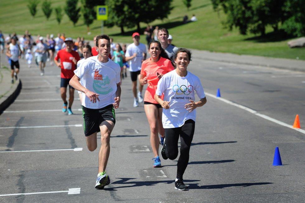 Olimpinės dienos bėgimas (nuotr. Alfredo Pliadžio)