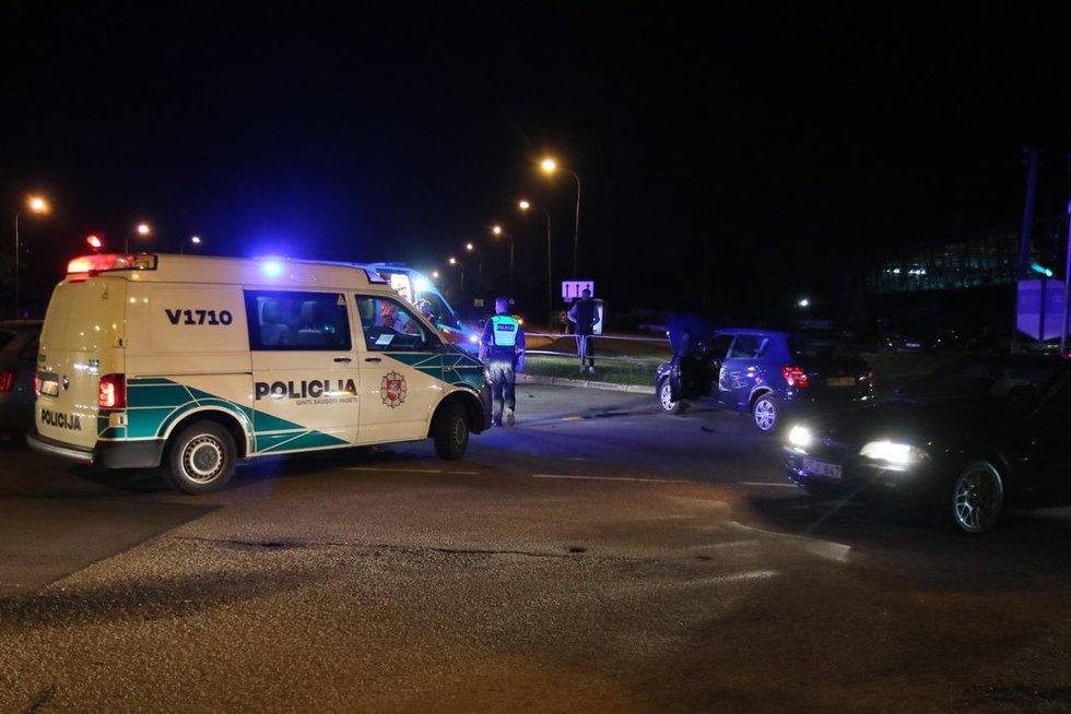 """Ozo gatvėje susidūrė du automobiliai """"Škoda"""" (nuotr. Broniaus Jablonsko)"""