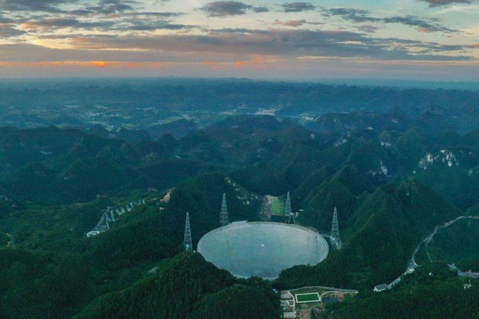 FAST teleskopas (nuotr. SCANPIX)