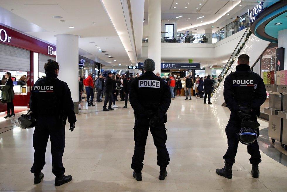 Paryžiaus traukinių stotyje – įtarimas dėl sprogmens (nuotr. SCANPIX)