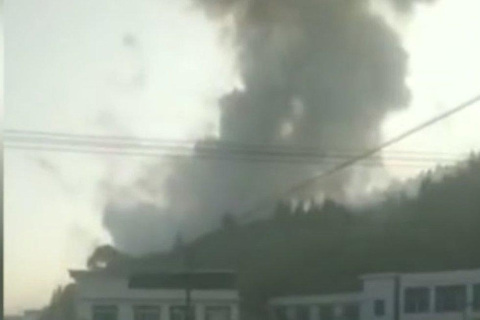 Sprogimas Kinijos fejerverkų gamykloje (nuotr. news.cgtn.com)