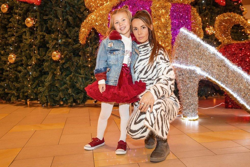 Montvydienė su dukra Adelė (nuotr. Vido Černiausko)