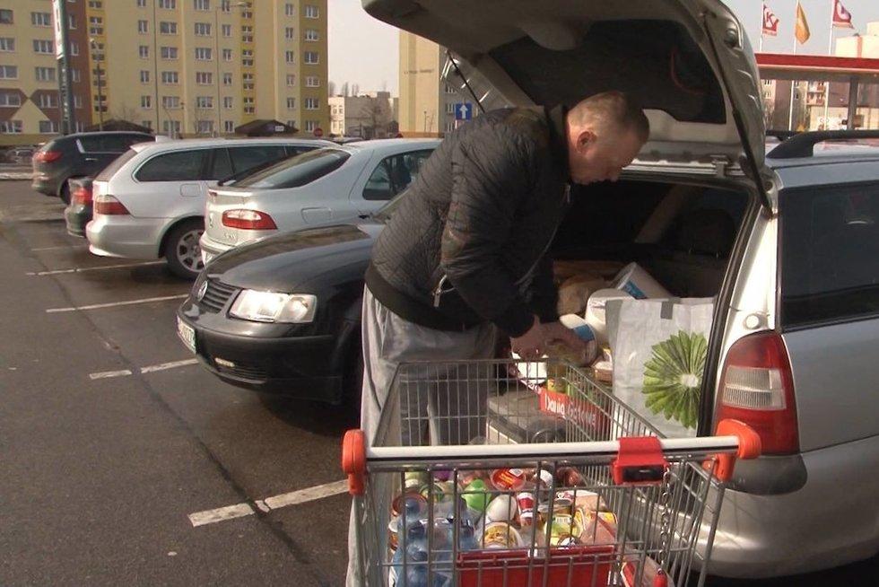 Prieš pat Velykas, masinis lietuvių apsipirkimas Lenkijoje (nuotr. Raimundo Maslausko)