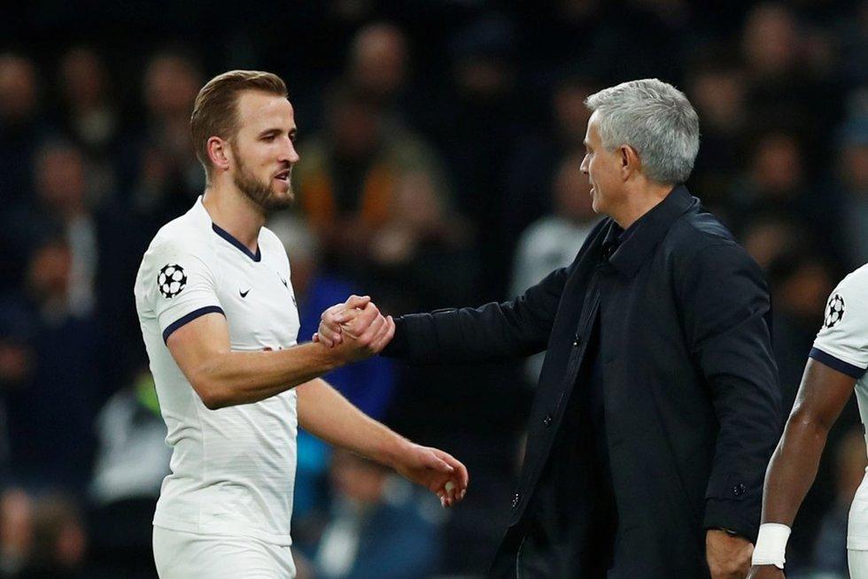 H. Kane'as ir J. Mourinho (nuotr. SCANPIX)