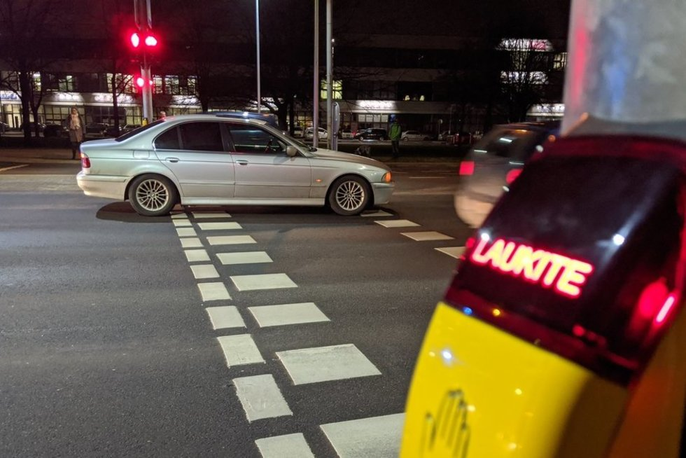 Vilniuje perėjoje BMW kliudė vyriškį (nuotr. Broniaus Jablonsko)