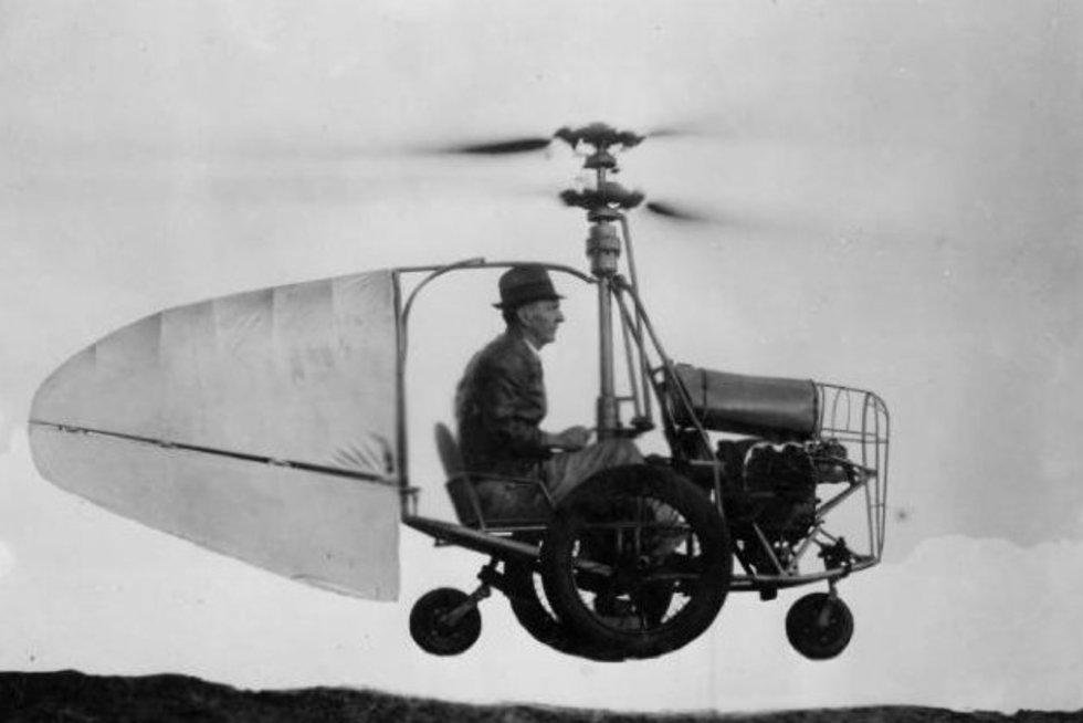 Jesse Dixono skraidantis automobilis (nuotr. mixstuff.ru)