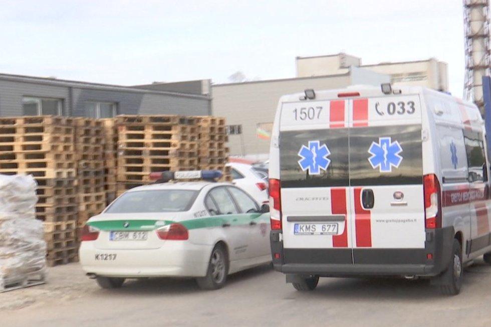 Kauno įmonėje tyliojo žudiko įkvėpė 4 darbuotojai (nuotr. TV3)